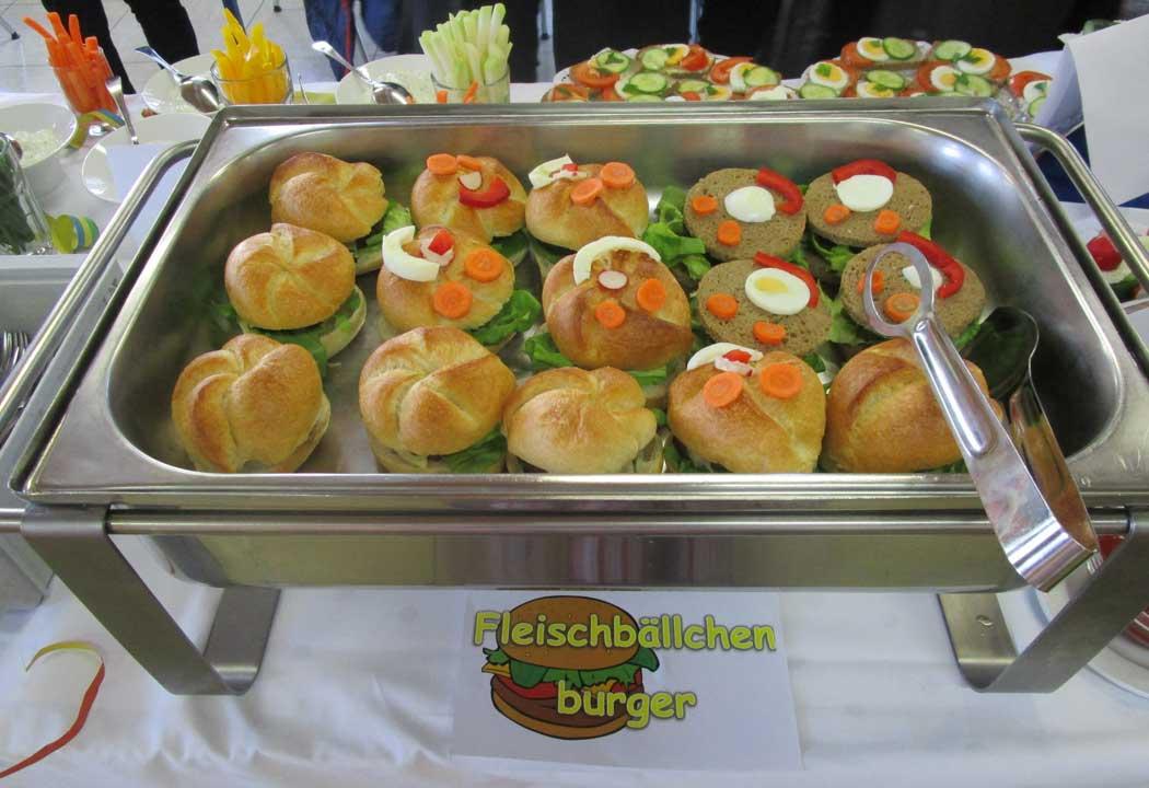 Fleischbällchen-Burger